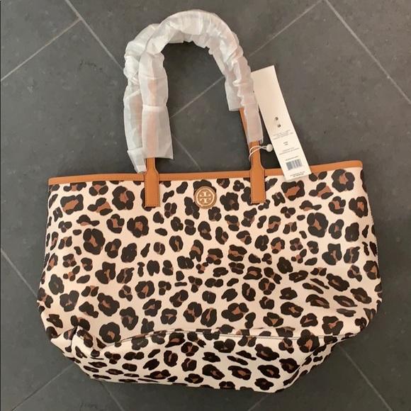 9b18496b442 Nwt Tory Burch leopard handbag